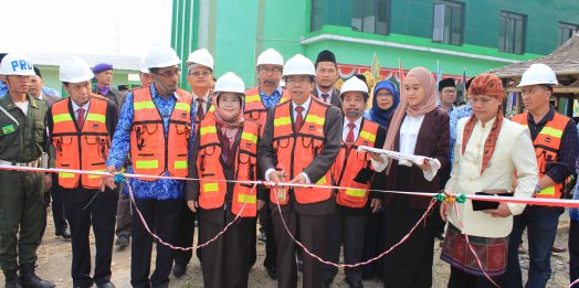 Rektor Untirta Resmikan Pembangunan di Kampus FKIP